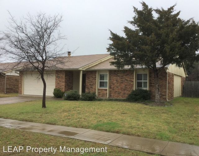 3 Bedrooms, The Colony Rental in Dallas for $1,545 - Photo 2