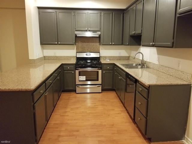 3 Bedrooms, Van Nuys Rental in Los Angeles, CA for $2,575 - Photo 2