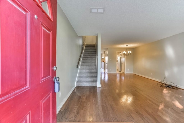 2 Bedrooms, Memorial Club Townhome Rental in Houston for $1,350 - Photo 2