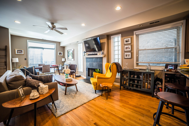 2 Bedrooms, Roscoe Village Rental in Chicago, IL for $2,450 - Photo 2
