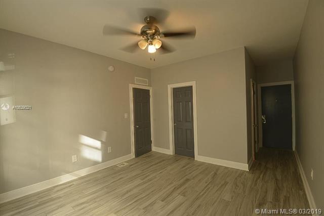 2 Bedrooms, Fairgreen Rental in Miami, FL for $2,400 - Photo 2