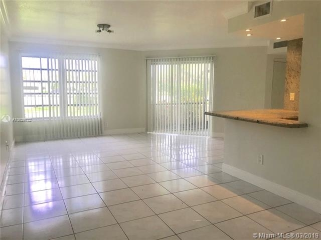 3 Bedrooms, Forest Hills Rental in Miami, FL for $1,620 - Photo 2