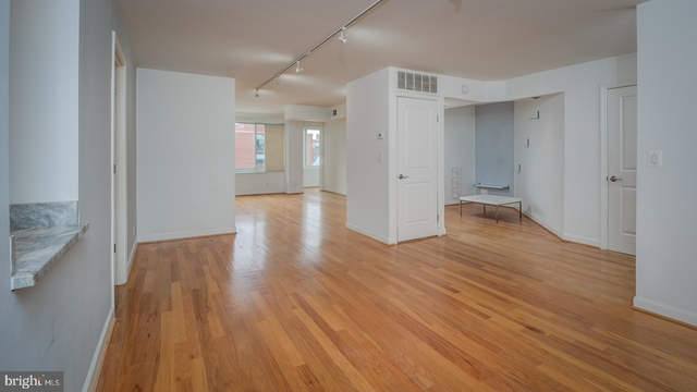 2 Bedrooms, East Village Rental in Washington, DC for $3,800 - Photo 2