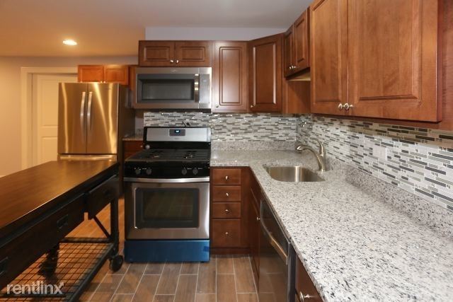 4 Bedrooms, West De Paul Rental in Chicago, IL for $2,600 - Photo 2