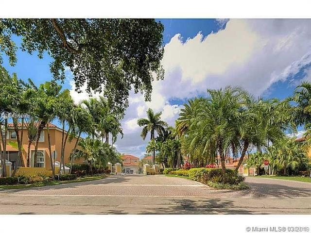 3 Bedrooms, Hollywood Lakes Rental in Miami, FL for $2,999 - Photo 2