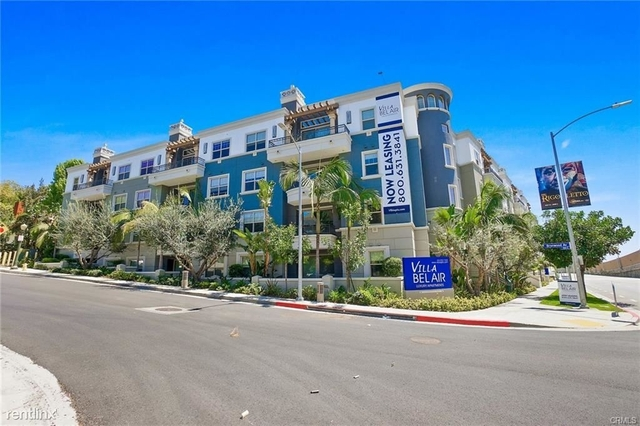 2 Bedrooms, Westwood Rental in Los Angeles, CA for $3,965 - Photo 2