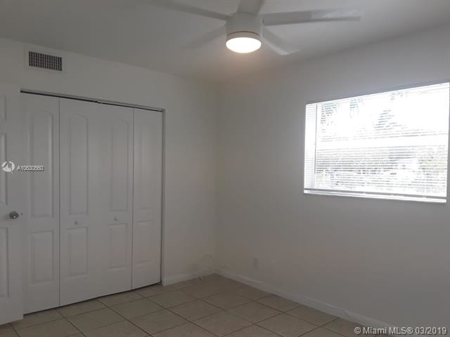 2 Bedrooms, Melrose Park Rental in Miami, FL for $1,300 - Photo 1