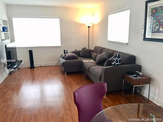 2 Bedrooms, Riviera Rental in Miami, FL for $2,240 - Photo 2