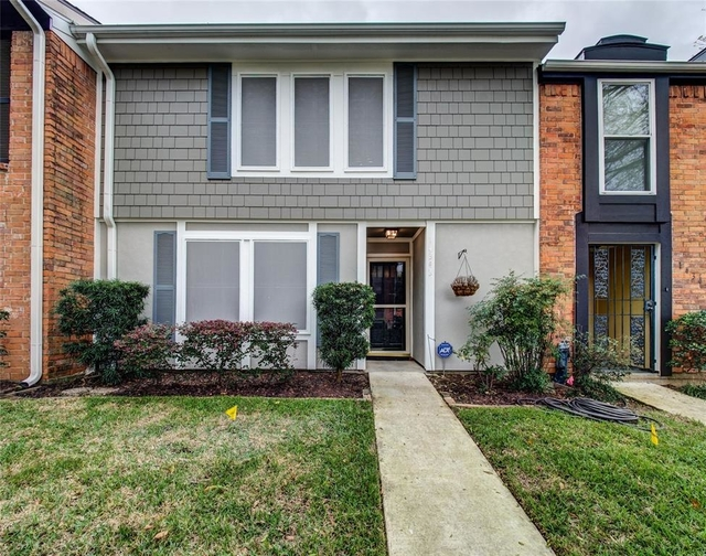 3 Bedrooms, Memorial Club Townhome Rental in Houston for $1,700 - Photo 1