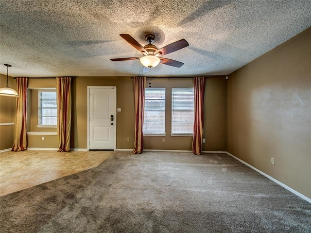 3 Bedrooms, Memorial Club Townhome Rental in Houston for $1,700 - Photo 2
