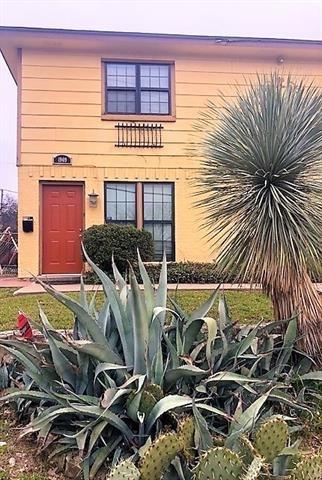 2 Bedrooms, Queensboro Rental in Dallas for $1,395 - Photo 1