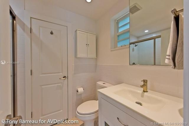 2 Bedrooms, Oceanfront Rental in Miami, FL for $2,350 - Photo 2