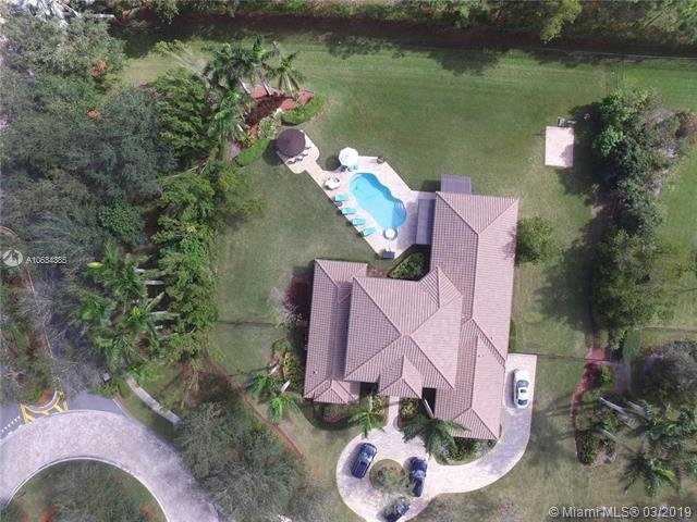 5 Bedrooms, Davie Rental in Miami, FL for $6,500 - Photo 2