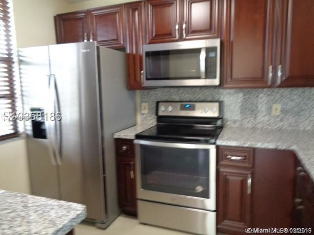 2 Bedrooms, Whitehall of Pine Island Rental in Miami, FL for $1,800 - Photo 2