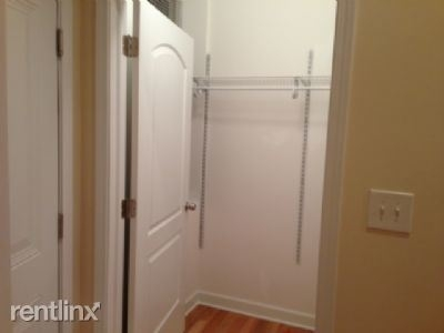 3 Bedrooms, River West Rental in Chicago, IL for $2,250 - Photo 2