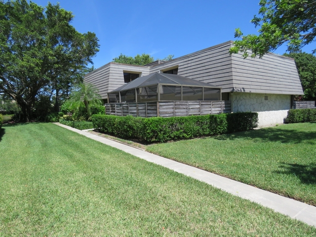 2 Bedrooms, Glenwood Townhomes Rental in Miami, FL for $1,800 - Photo 2