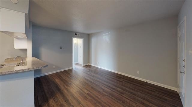 1 Bedroom, Vickery Place Rental in Dallas for $1,000 - Photo 2
