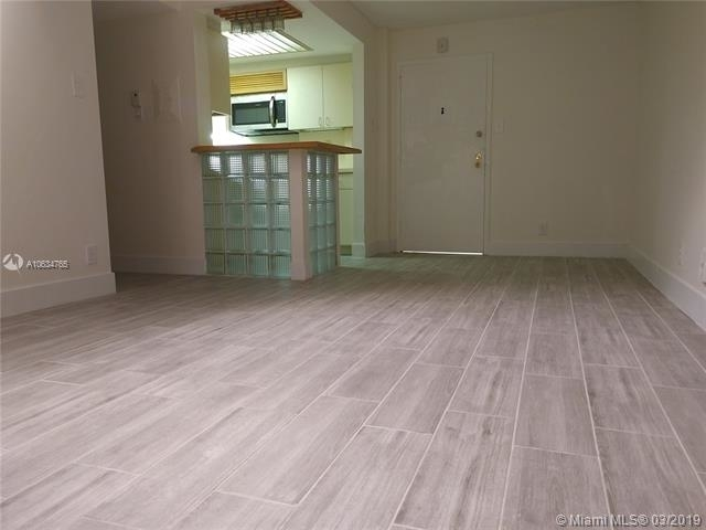 2 Bedrooms, Northeast Coconut Grove Rental in Miami, FL for $2,150 - Photo 2