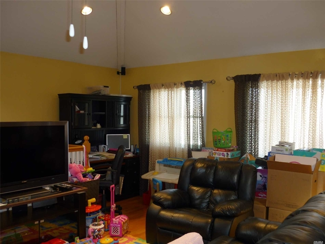Apartments for rent in long island ny renthop - 2 bedroom apartments long island ...
