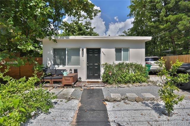 4 Bedrooms, Southwest Coconut Grove Rental in Miami, FL for $2,700 - Photo 1