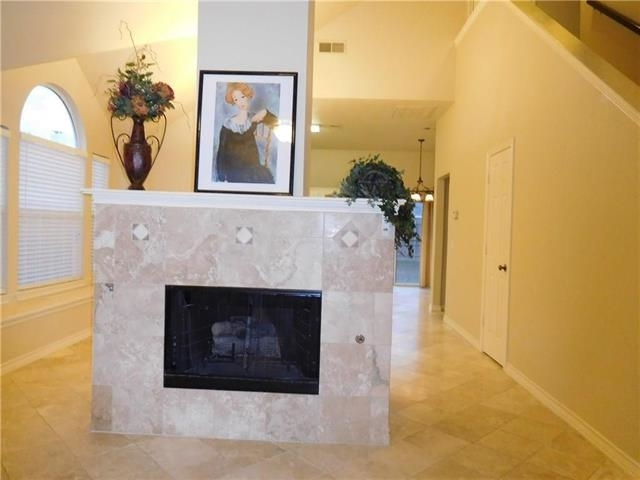 3 Bedrooms, Wyndfield Rental in Dallas for $1,700 - Photo 2