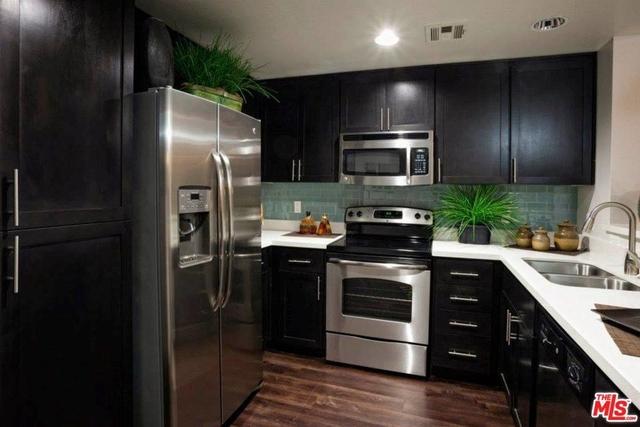 2 Bedrooms, Westwood Rental in Los Angeles, CA for $4,927 - Photo 1