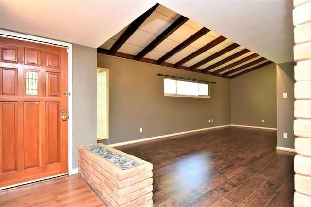3 Bedrooms, Long Point Woods Rental in Houston for $1,850 - Photo 2
