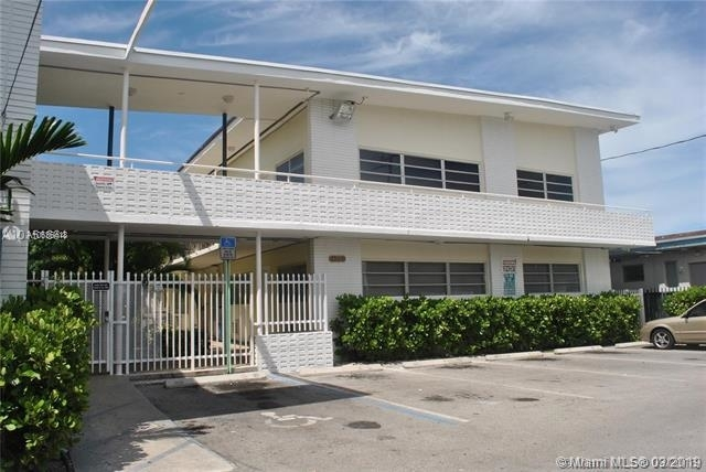 1 Bedroom, Isle of Normandy Ocean Side Rental in Miami, FL for $1,200 - Photo 1
