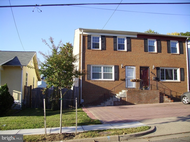 3 Bedrooms, Del Ray Rental in Washington, DC for $3,200 - Photo 1