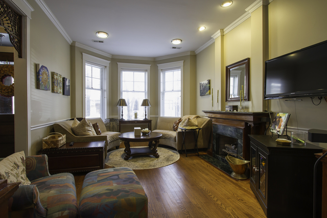 2 Bedrooms, Sheffield Rental in Chicago, IL for $2,500 - Photo 2