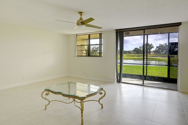 2 Bedrooms, Rolling Hills Golf & Tennis Club Rental in Miami, FL for $1,595 - Photo 2