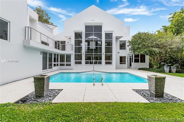 7 Bedrooms, Cape Florida Rental in Miami, FL for $13,000 - Photo 2