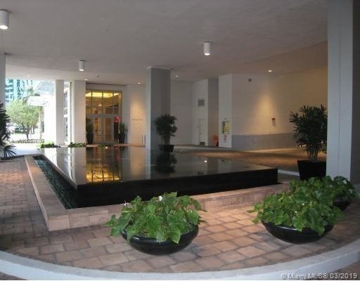 2 Bedrooms, Miami Financial District Rental in Miami, FL for $3,000 - Photo 2
