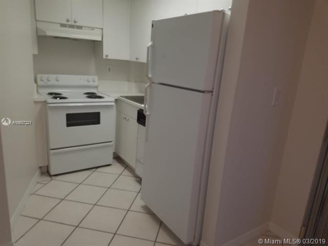 1 Bedroom, Northeast Coconut Grove Rental in Miami, FL for $1,325 - Photo 2