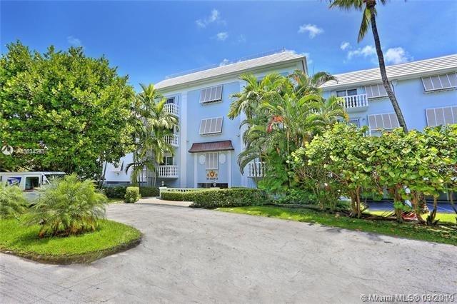 2 Bedrooms, Riviera Rental in Miami, FL for $2,100 - Photo 1