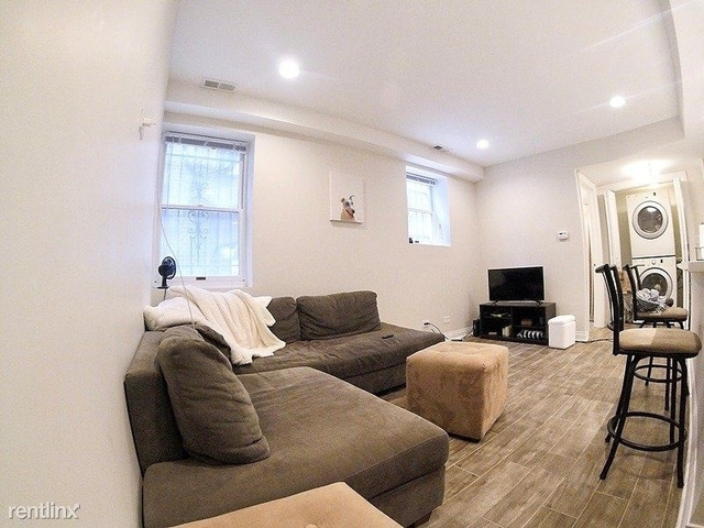 2 Bedrooms, Old Town Rental in Chicago, IL for $2,400 - Photo 2