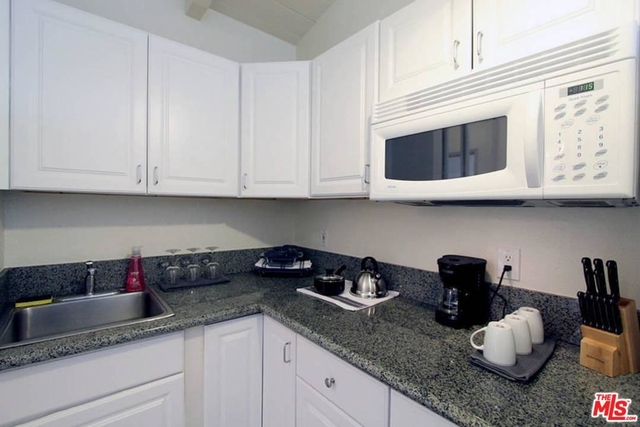 1 Bedroom, Venice Beach Rental in Los Angeles, CA for $2,700 - Photo 2