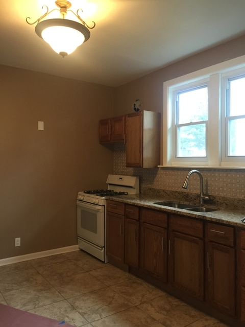2 Bedrooms, The Bush Rental in Chicago, IL for $900 - Photo 1