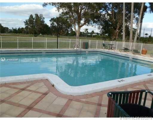 2 Bedrooms, Fairgreen Villas Rental in Miami, FL for $1,500 - Photo 2