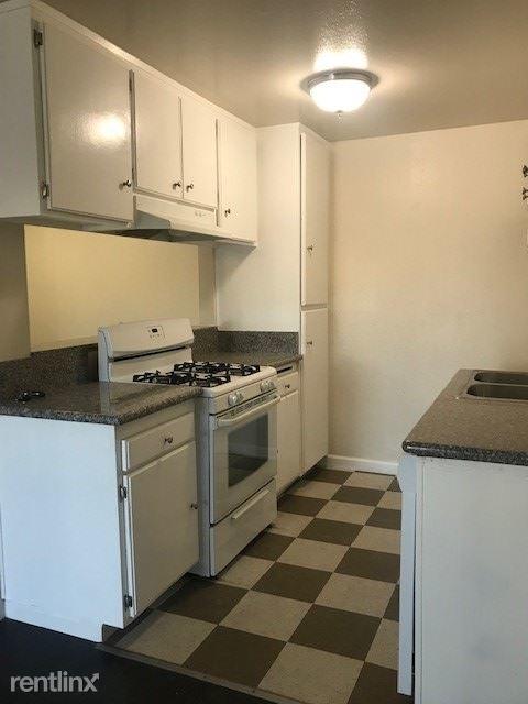 1 Bedroom, Van Nuys Rental in Los Angeles, CA for $1,525 - Photo 1