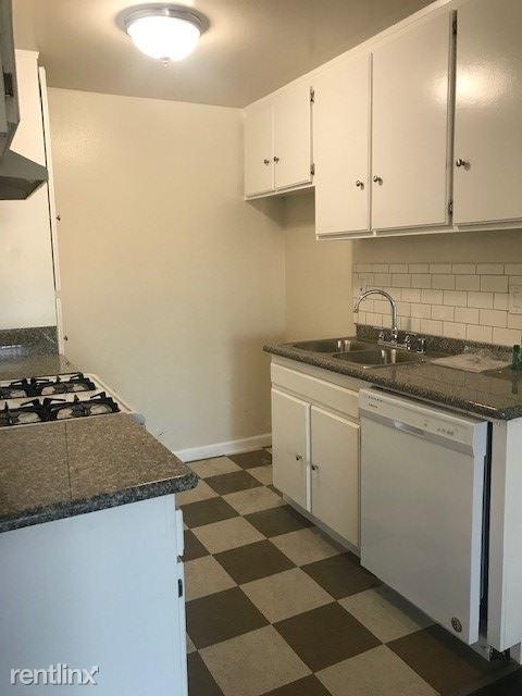 1 Bedroom, Van Nuys Rental in Los Angeles, CA for $1,525 - Photo 2