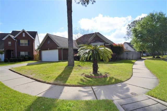 3 Bedrooms, Bay Glen Rental in Houston for $1,800 - Photo 1