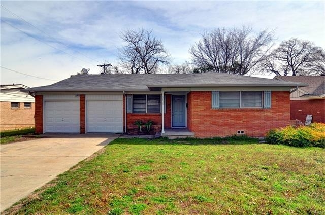 at 5105 Cockrell Avenue - Photo 1
