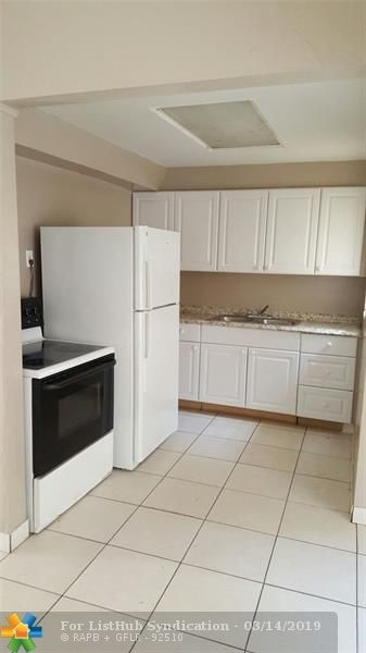 5 Bedrooms, Lauderdale Manors Rental in Miami, FL for $2,575 - Photo 2