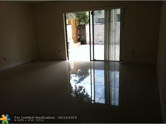 2 Bedrooms, University Drive Rental in Miami, FL for $1,700 - Photo 2