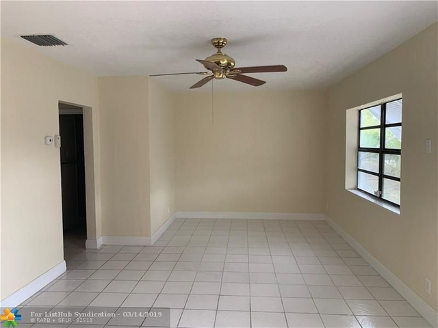 4 Bedrooms, Melrose Park Rental in Miami, FL for $2,350 - Photo 2