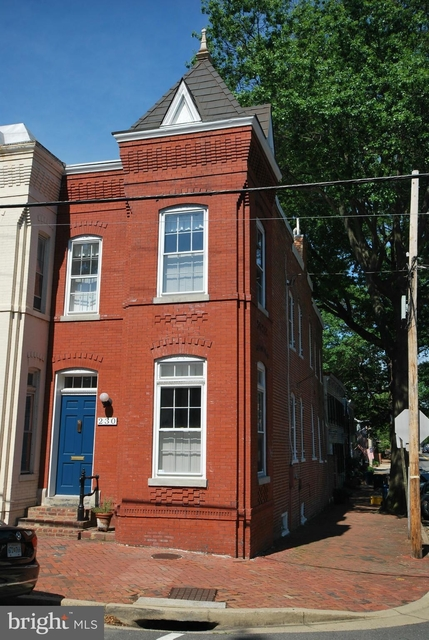 3 Bedrooms, Old Town Rental in Washington, DC for $4,100 - Photo 1