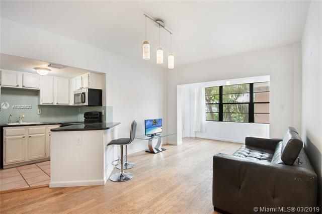 2 Bedrooms, Lenox Manor Rental in Miami, FL for $2,475 - Photo 2
