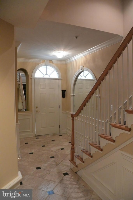 4 Bedrooms, Cameron Station Rental in Washington, DC for $3,800 - Photo 2