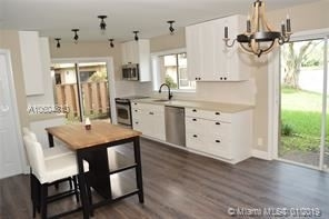 3 Bedrooms, Wimbledon at Jacaranda Rental in Miami, FL for $2,000 - Photo 1